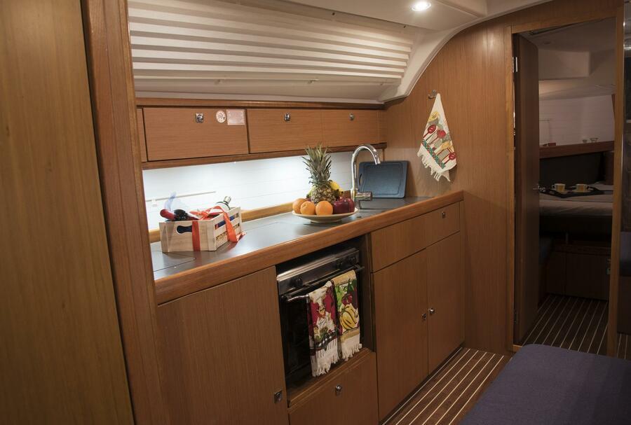 Bavaria Cruiser 41 (Erato (New Sails 2020)) KItchen - 8