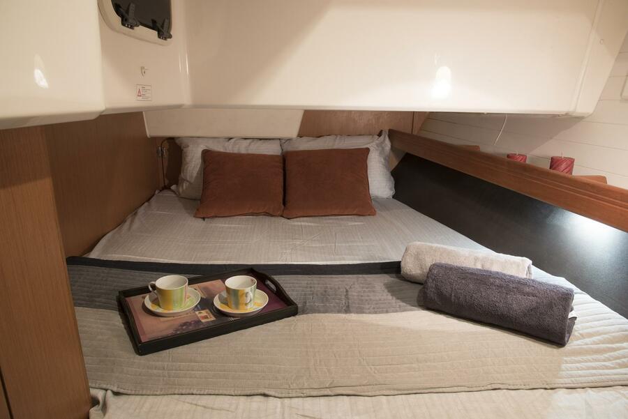 Bavaria Cruiser 41 (Erato (New Sails 2020)) Rear cabin - 7