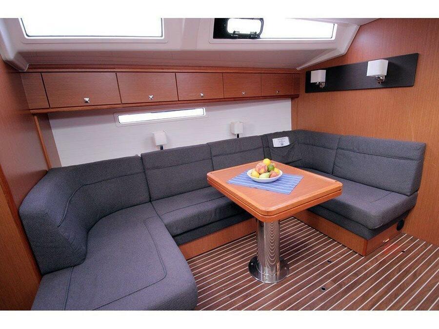 Bavaria Cruiser 56 (Maximum) Interior image - 11