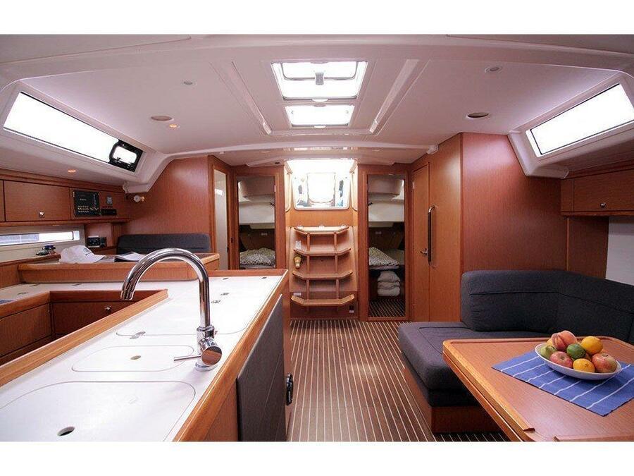 Bavaria Cruiser 56 (Maximum) Interior image - 9