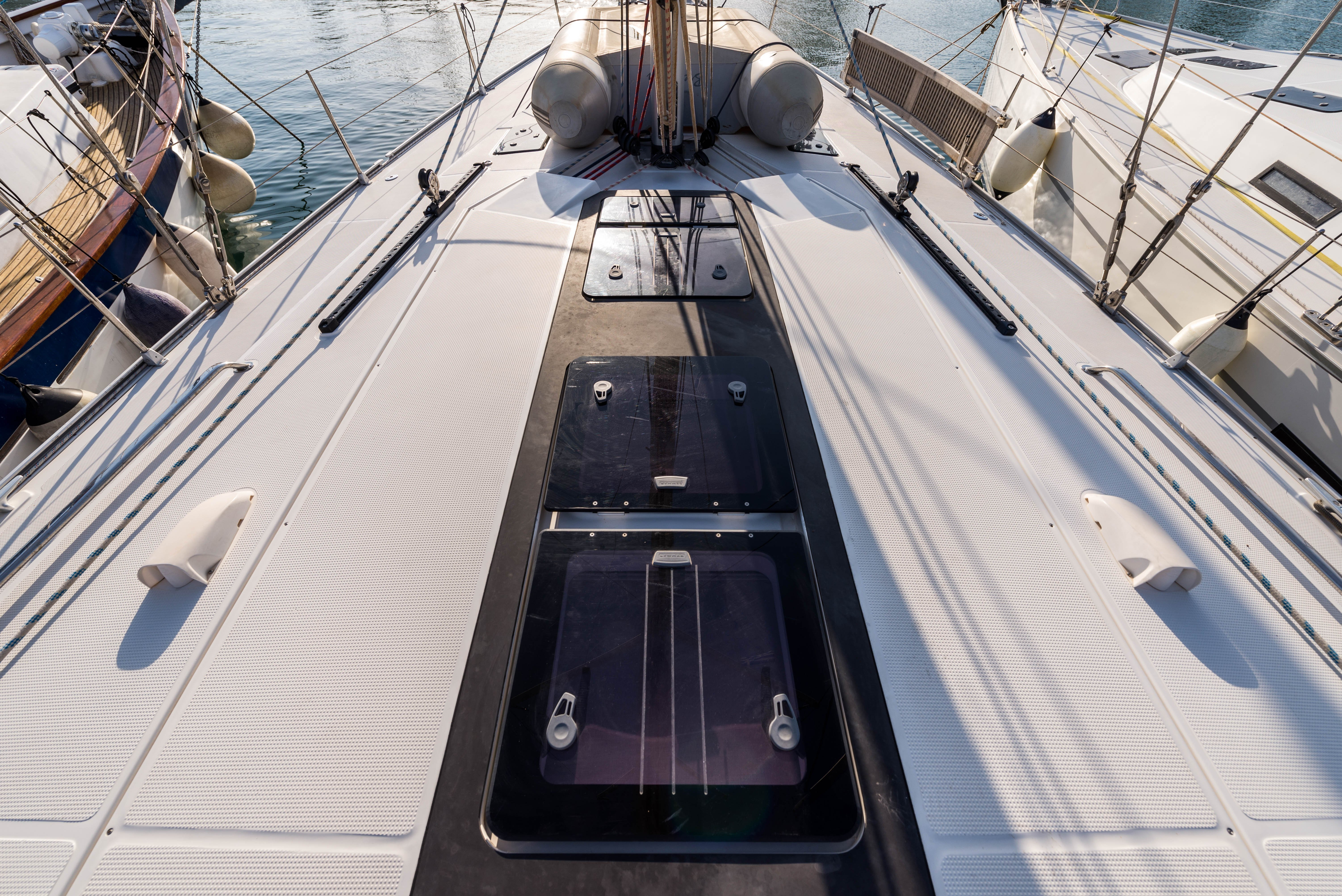 Bavaria Cruiser 56 (Breathless - A/C & Generator)  - 45