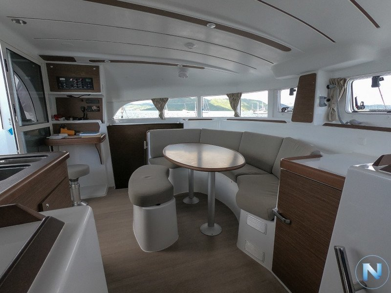 Lagoon 380 (LAURA with Watermaker) Interior image - 8