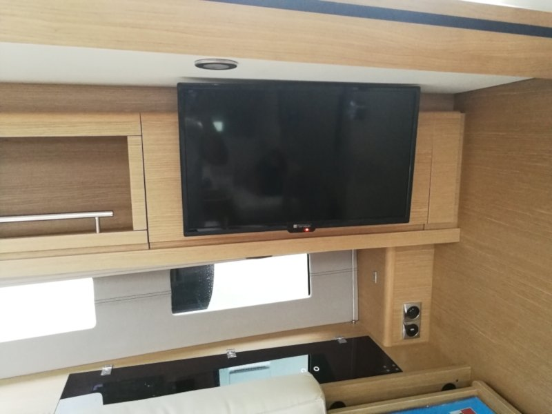 Dufour 56 Exclusive (Jess fully equipped white hull)  - 20