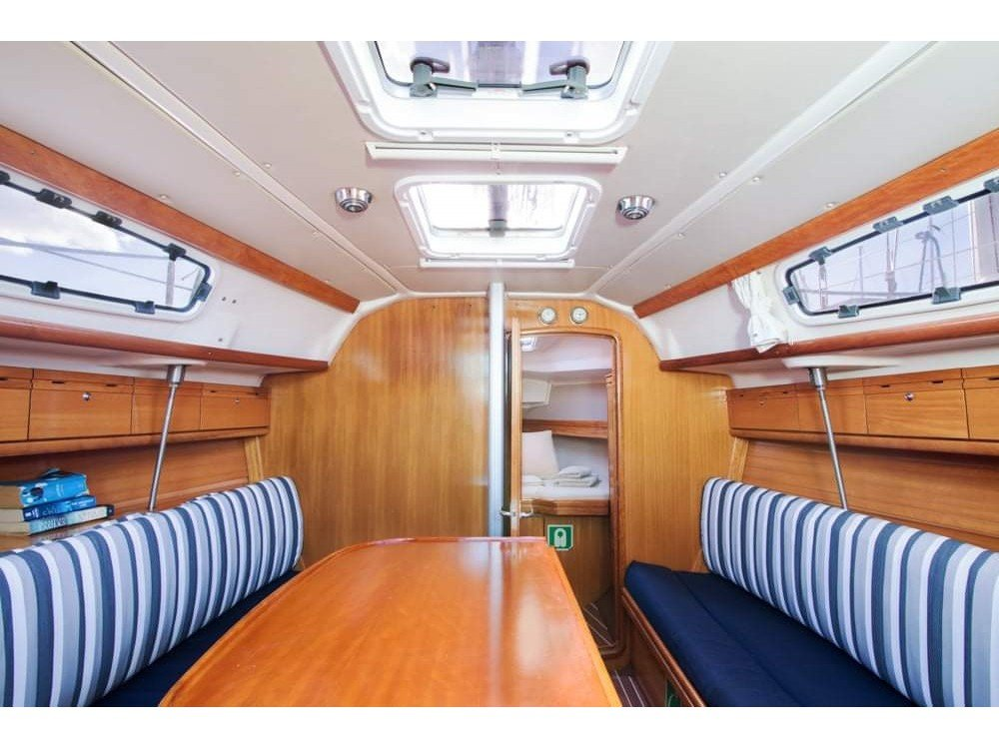 Bavaria 31 Cruiser (Tango) Interior image - 1
