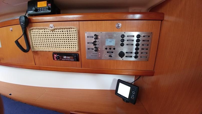 Oceanis 43 (Beluga)  - 38