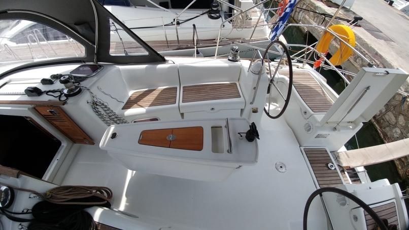 Oceanis 43 (Beluga)  - 22