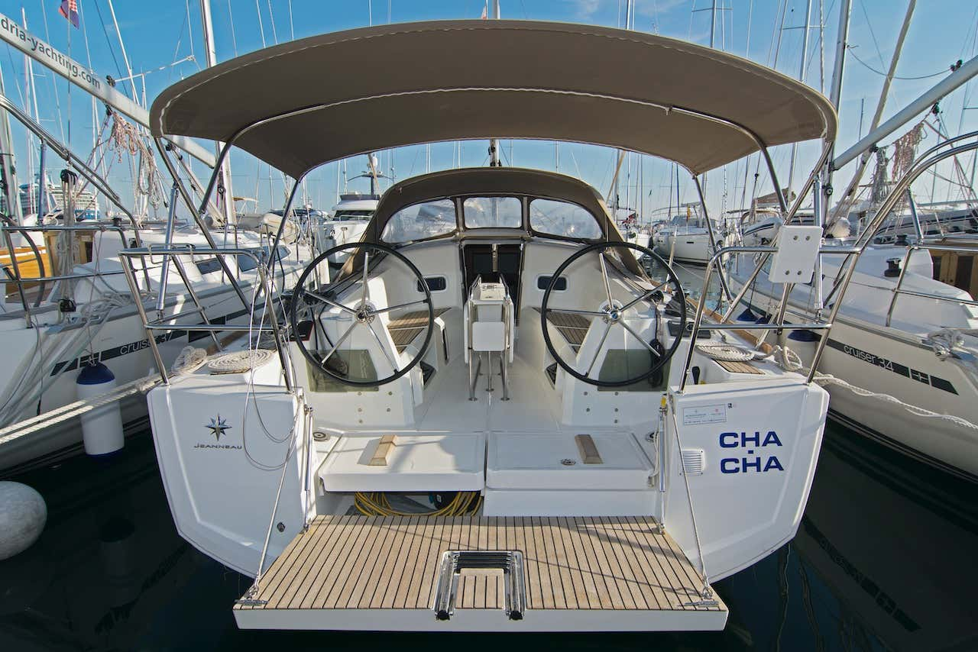 Sun Odyssey 349 (Cha-Cha)  - 6