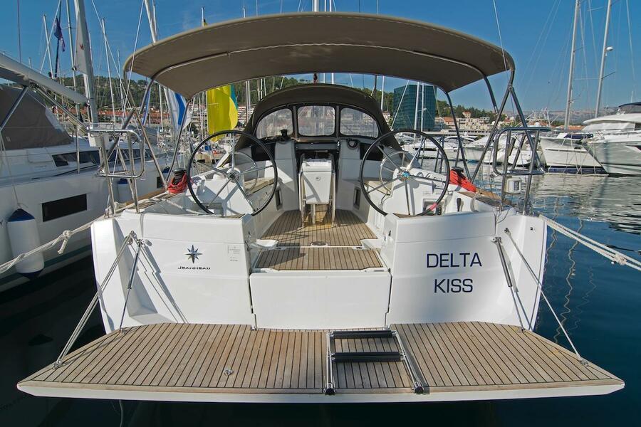 Sun Odyssey 389 (Delta Kiss)  - 3