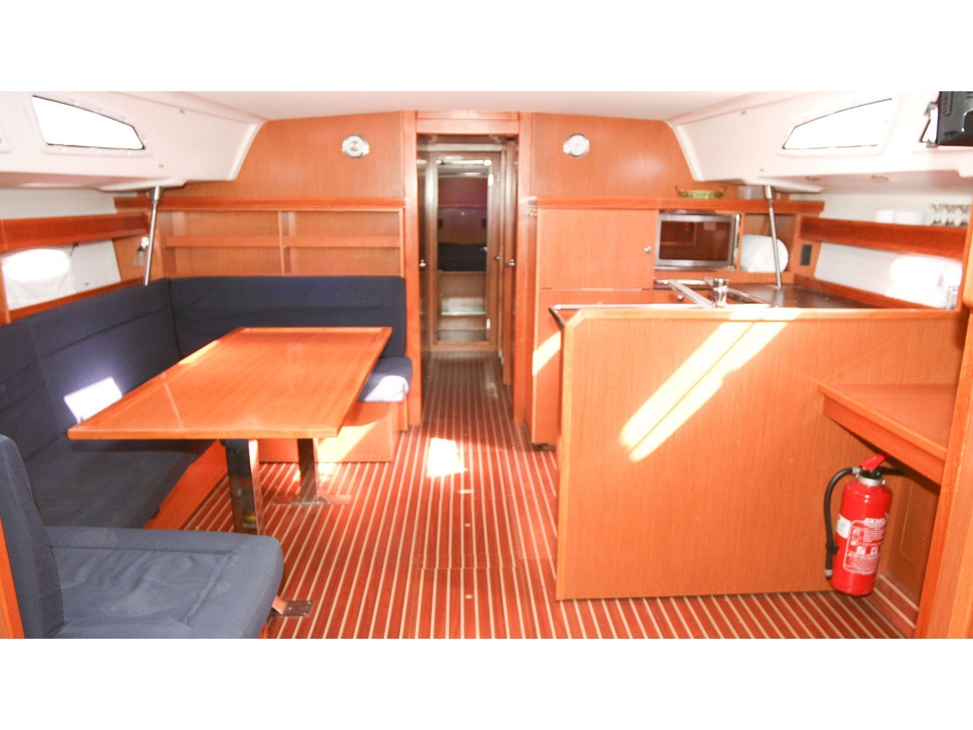 Bavaria 51 Cruiser (Feel Free) Interior image - 2