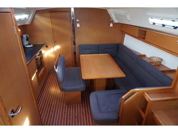 Bavaria Cruiser 40 (Tinkerbell) Interior image - 10