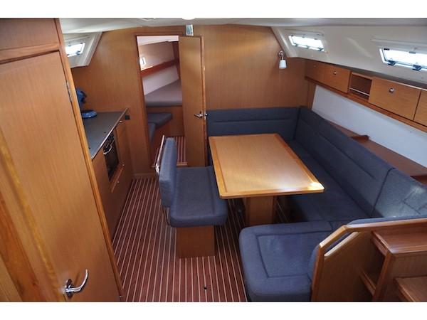 Bavaria Cruiser 40 (Santiano) Interior image - 1