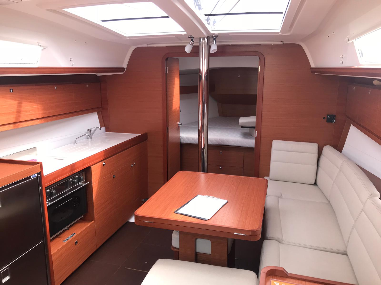 Dufour 382 GL (Happiness) Interior image - 10
