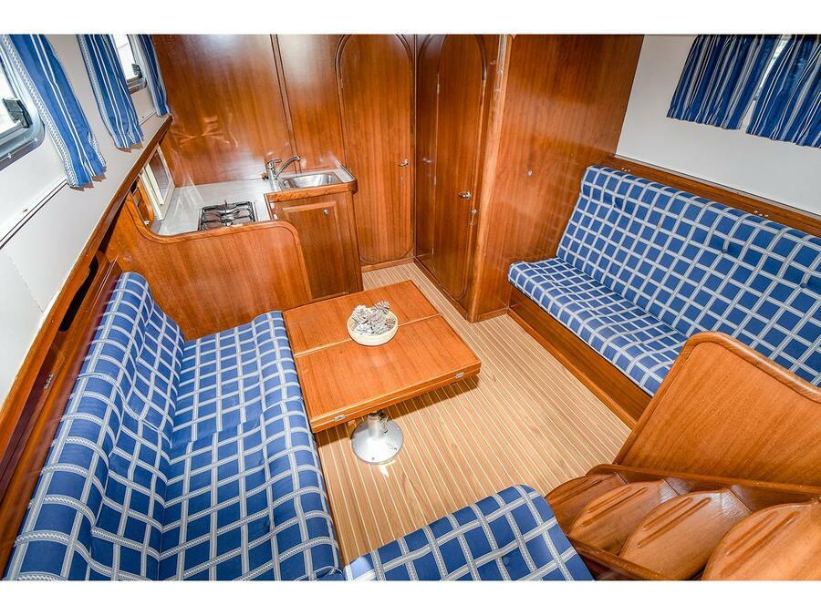 Menorquina Yacht 100 (Mar de Coral) Interior image - 7