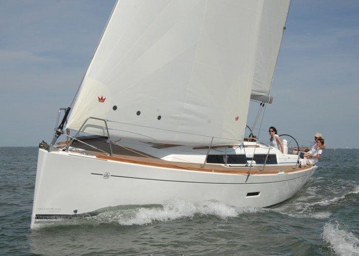 Dufour 335 GL (Kopernik) Sailing - 18