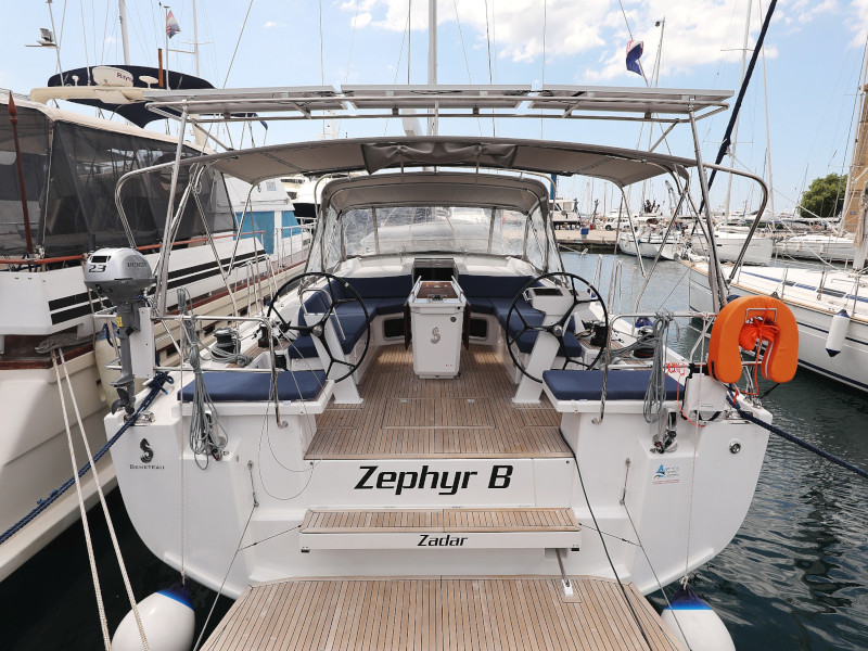 Oceanis 51.1  (Zephyr B with A/C and generator)  - 58