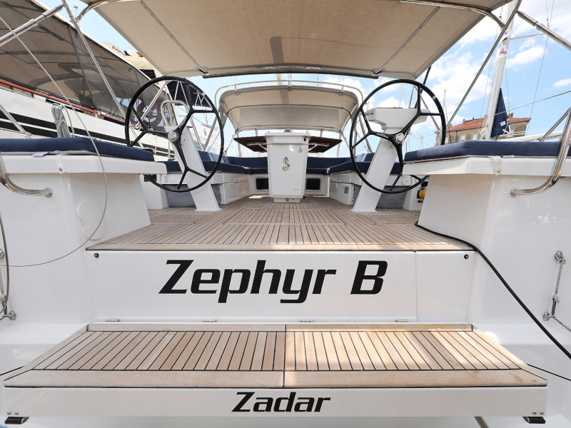 Oceanis 51.1  (Zephyr B with A/C and generator)  - 44