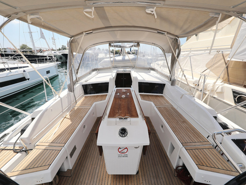 Oceanis 46.1 (Mr.White with A/C and generator)  - 11