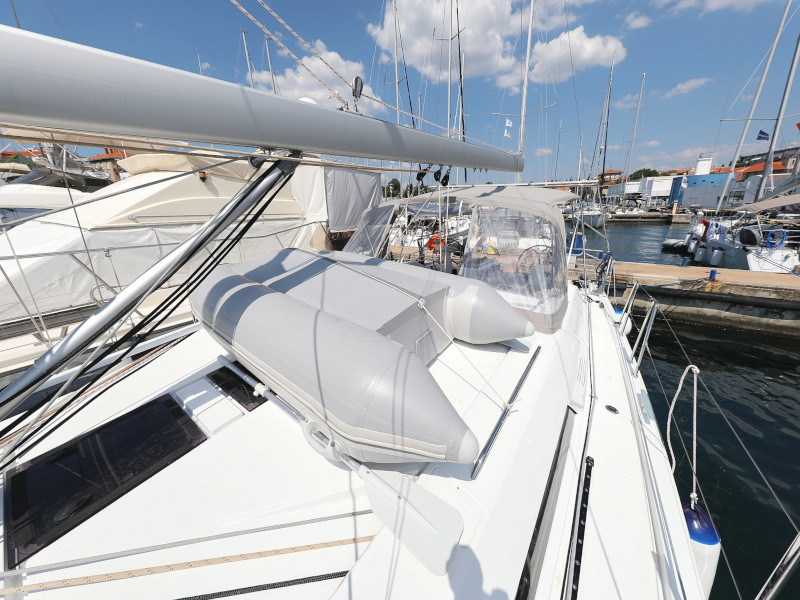 Oceanis 46.1 (Mr.White with A/C and generator)  - 9