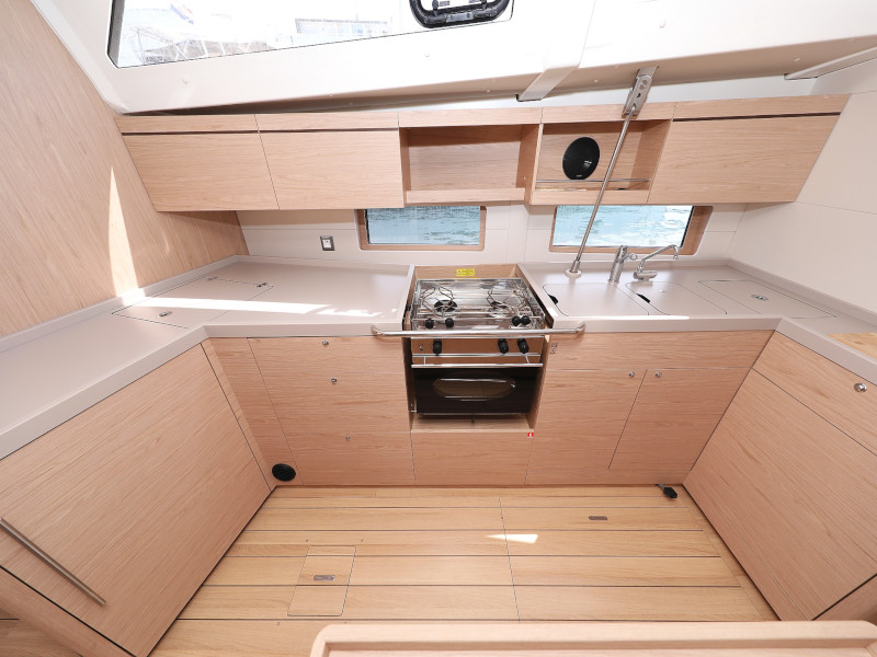 Oceanis 46.1 (Mr.White with A/C and generator)  - 71