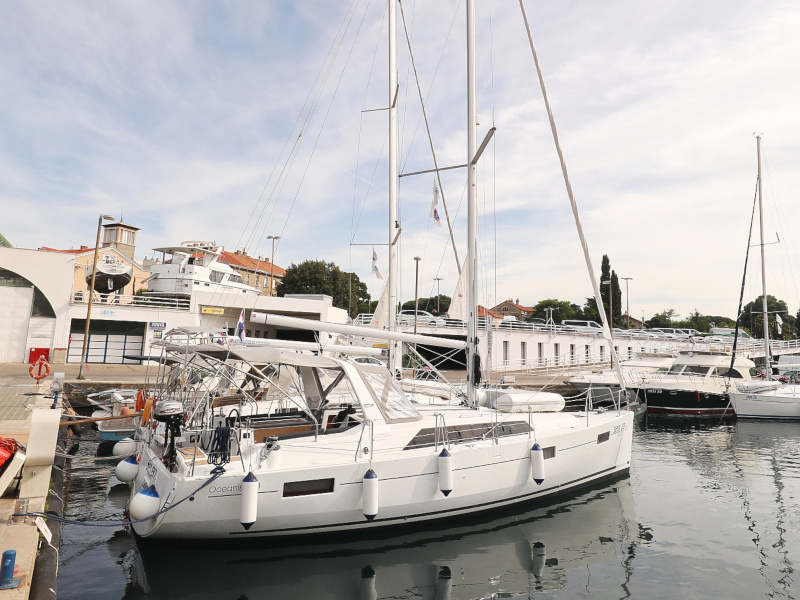 Oceanis 41.1 (SEVEN with A/C)  - 94