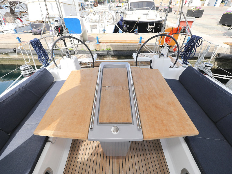 Oceanis 41.1 (SEVEN with A/C)  - 21