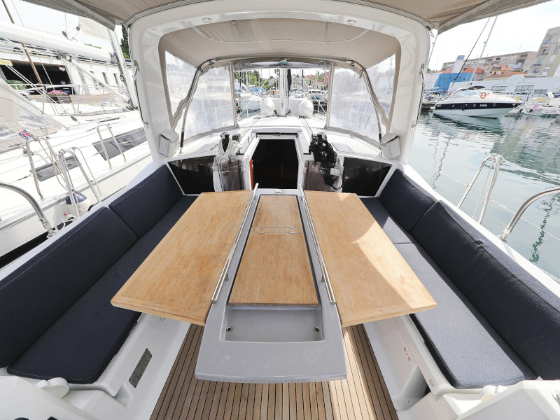 Oceanis 41.1 (SEVEN with A/C)  - 54