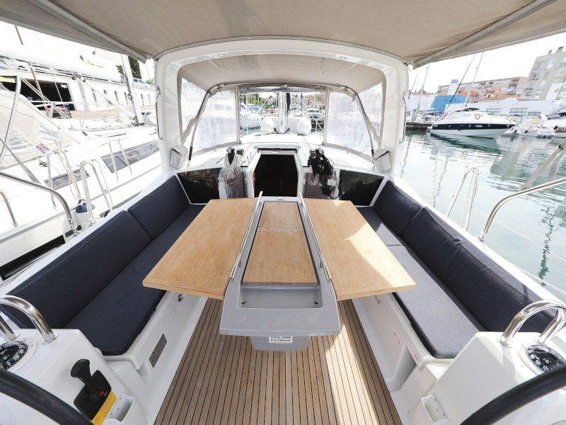 Oceanis 41.1 (SEVEN with A/C)  - 16