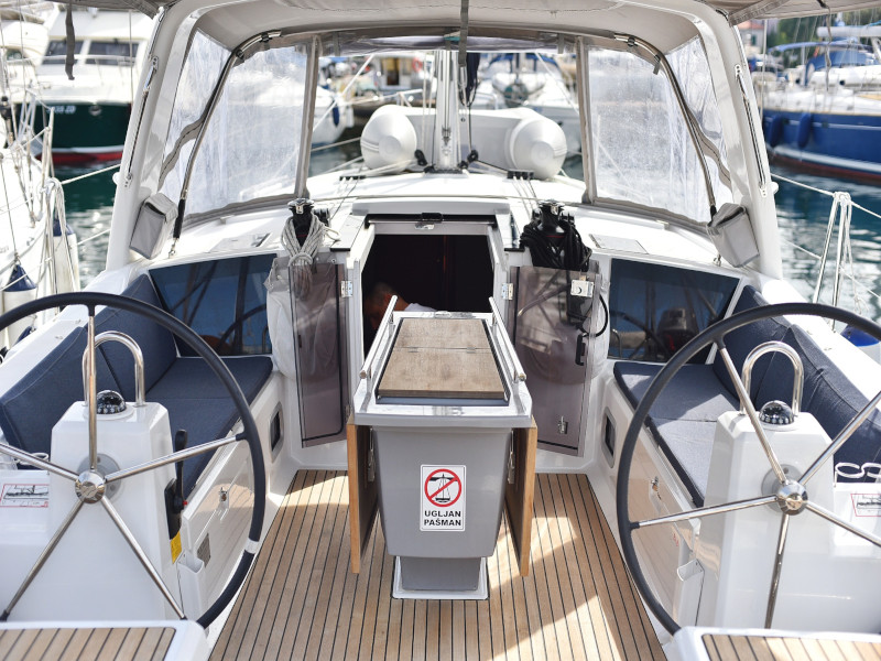 Oceanis 41.1 (SEVEN with A/C)  - 29