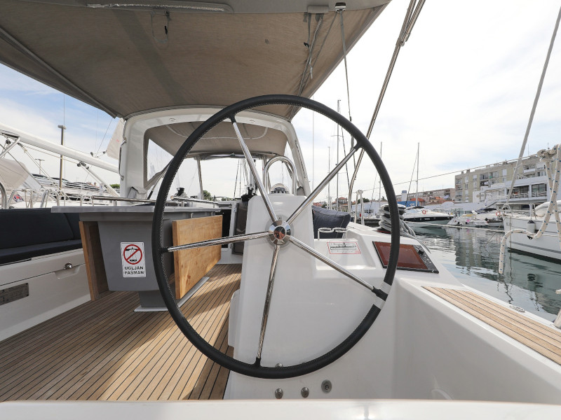 Oceanis 41.1 (SEVEN with A/C)  - 95