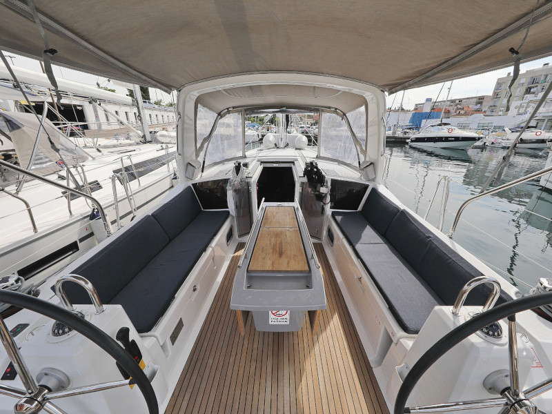 Oceanis 41.1 (SEVEN with A/C)  - 96