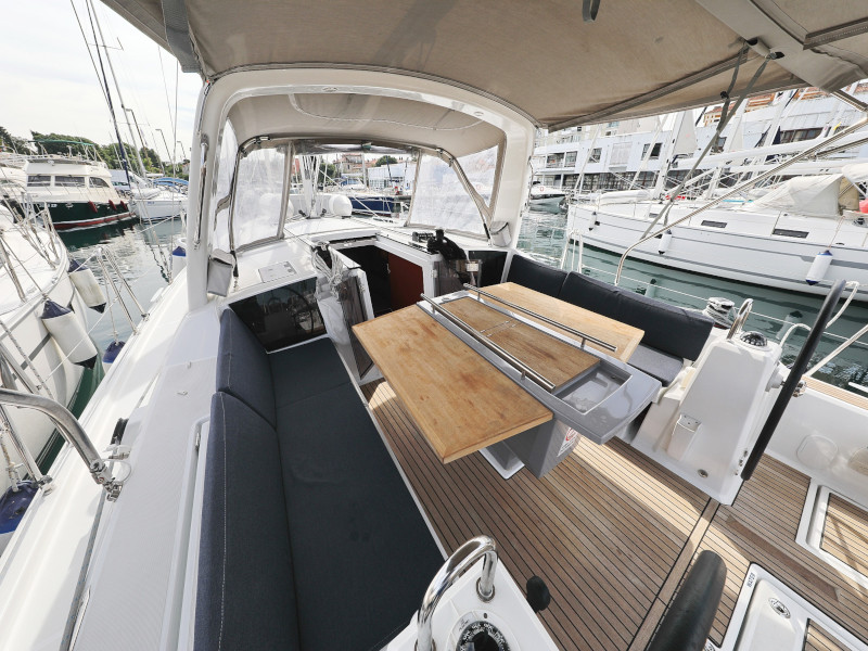 Oceanis 41.1 (SEVEN with A/C)  - 38