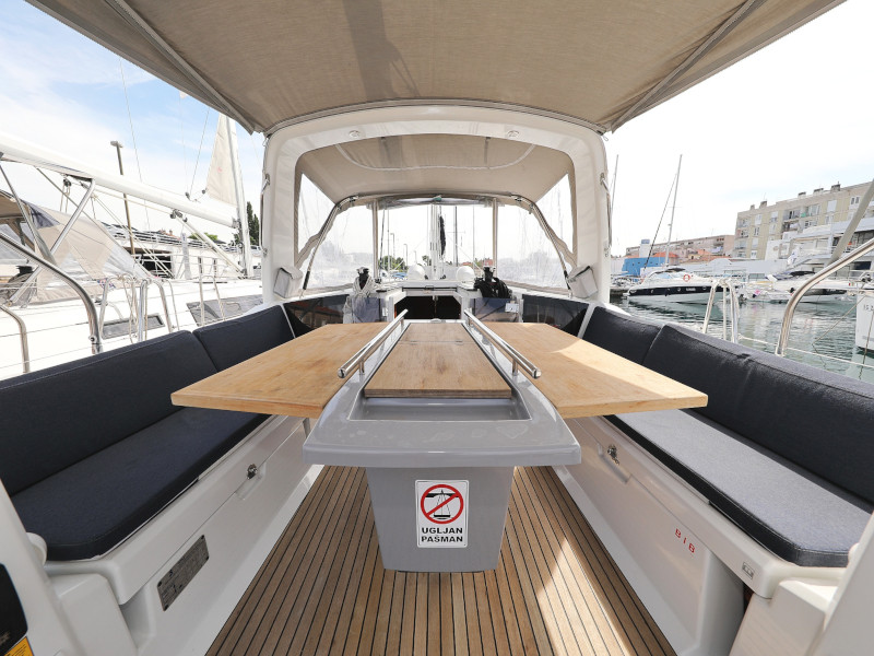 Oceanis 41.1 (SEVEN with A/C)  - 84