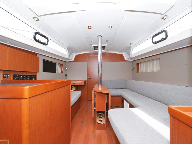 Oceanis 41.1 (SEVEN with A/C)  - 85