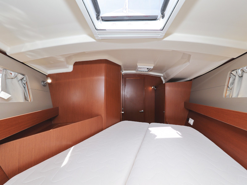 Oceanis 41.1 (SEVEN with A/C)  - 9
