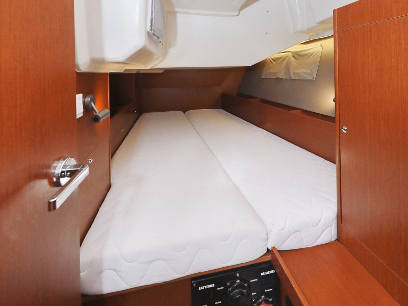 Oceanis 41.1 (SEVEN with A/C)  - 86