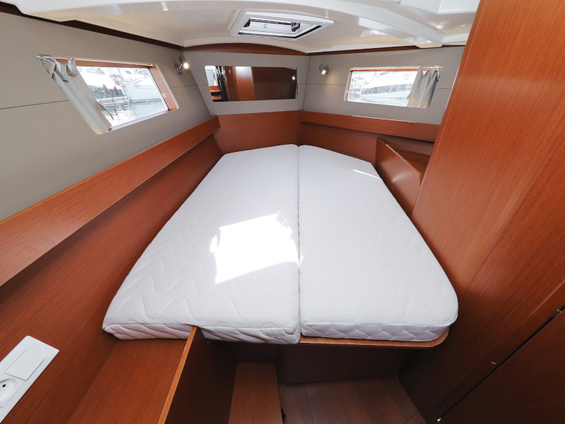 Oceanis 41.1 (SEVEN with A/C)  - 60