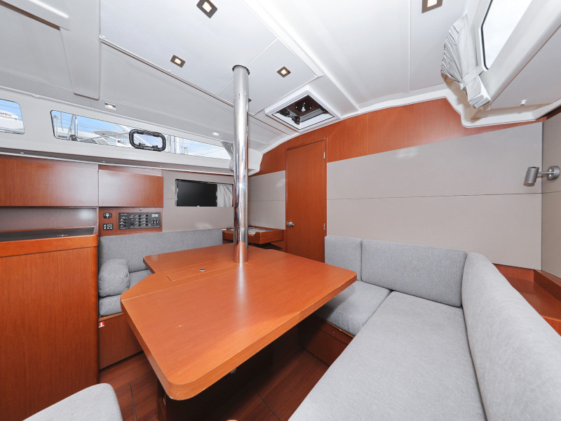 Oceanis 41.1 (SEVEN with A/C)  - 44