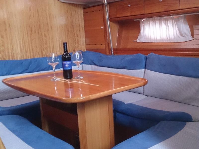 Bavaria 39 Cruiser (Adrenalin)  - 4