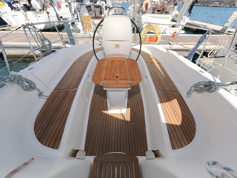 Bavaria 37 Cruiser (Mateja)  - 9