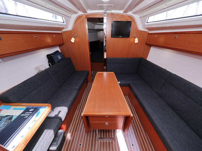Bavaria Cruiser 37 (Hama) Interior image - 43