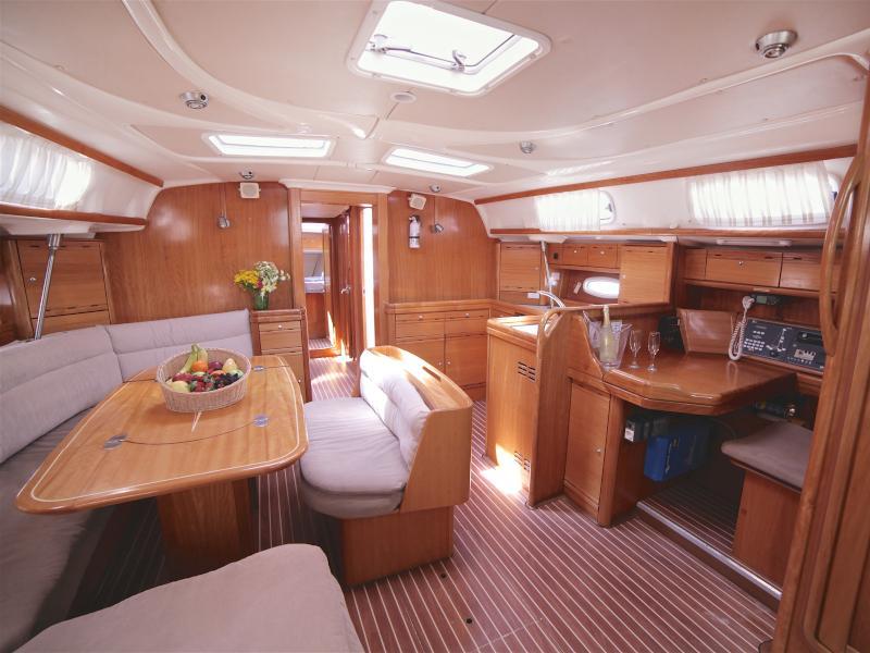 Bavaria 50 Cruiser (Sail Sirius) Interior image - 2