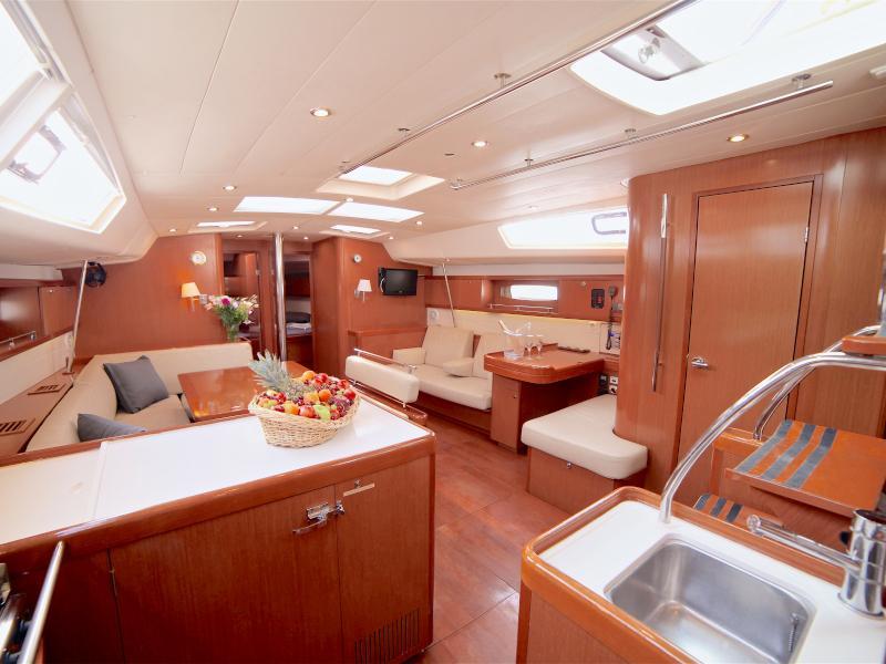 Oceanis 54 (Sail Antares)  - 2