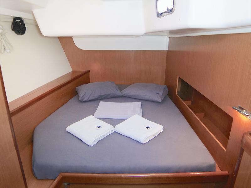 Oceanis 54 (Sail Antares)  - 9