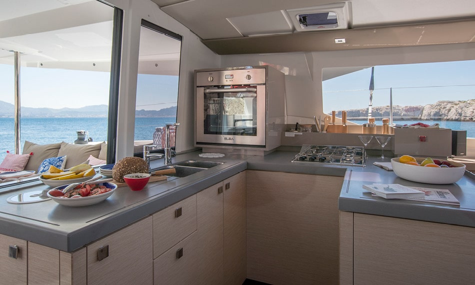 Astréa 42 (Sissy- A/C & Watermaker & Generator & Electrical Platform - 4+2 Cabins/4 Heads)  - 19