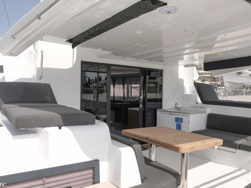 Lagoon 50 (MILA FLY ( AC in Salon and cabin +generator))  - 8