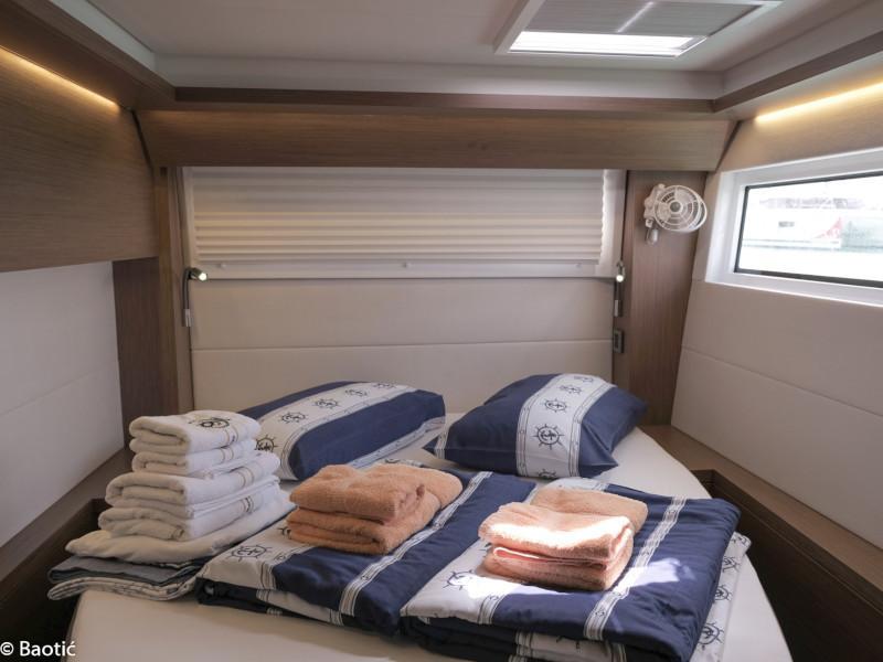 Lagoon 50 (MILA FLY ( AC in Salon and cabin +generator))  - 12