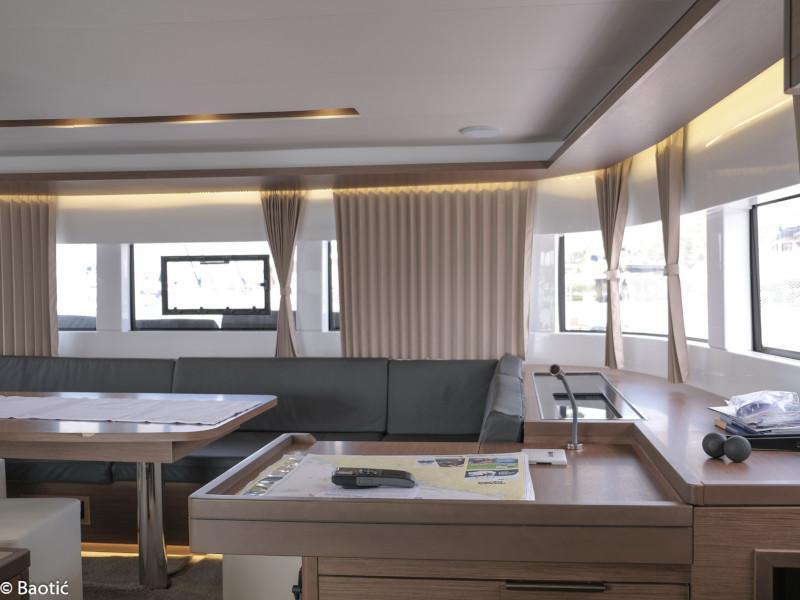 Lagoon 50 (MILA FLY ( AC in Salon and cabin +generator))  - 9