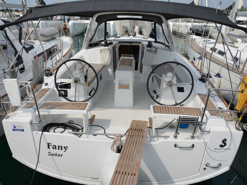 Oceanis 38.1 (Fany)  - 9