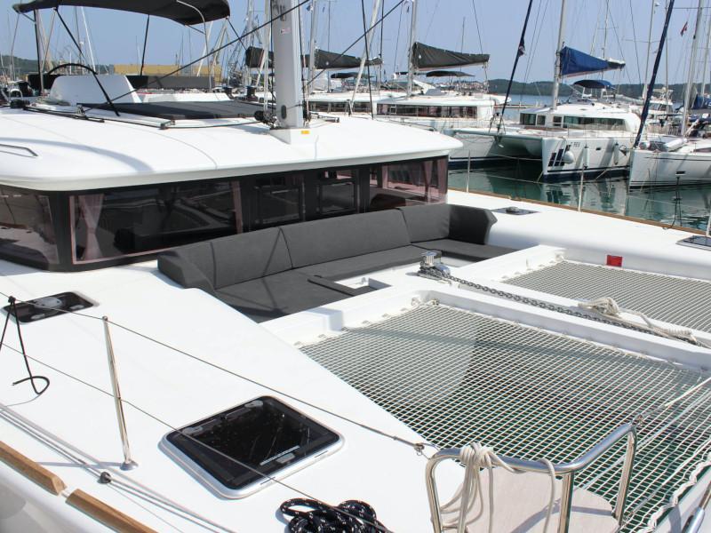 Lagoon 450 (NADA I FLY ( AC in salon and cabin + generator ))  - 4