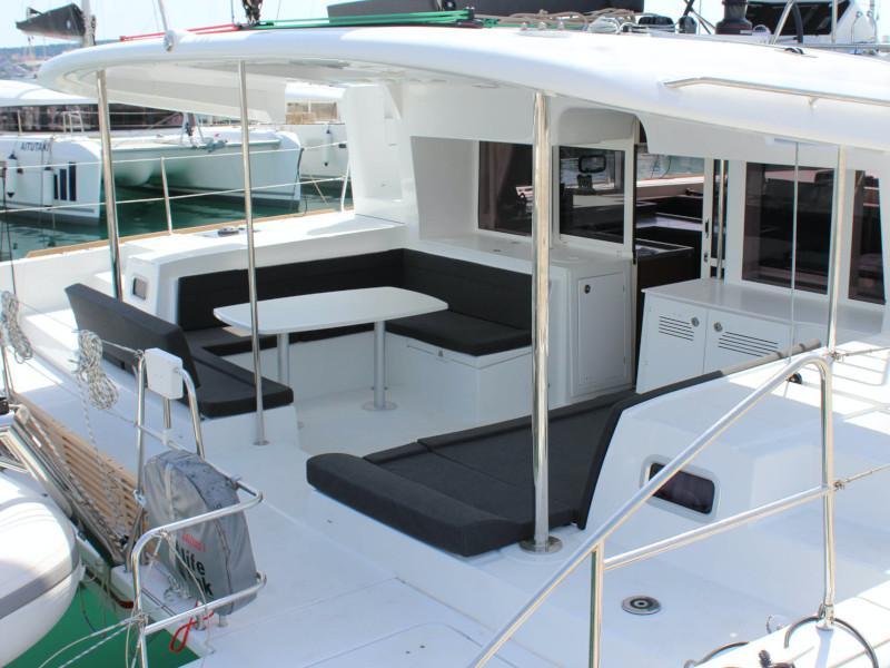 Lagoon 450 (NADA I FLY ( AC in salon and cabin + generator ))  - 9